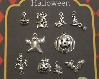 U.K Mixed Pack Of 10 Halloween Gothic Charms Seller
