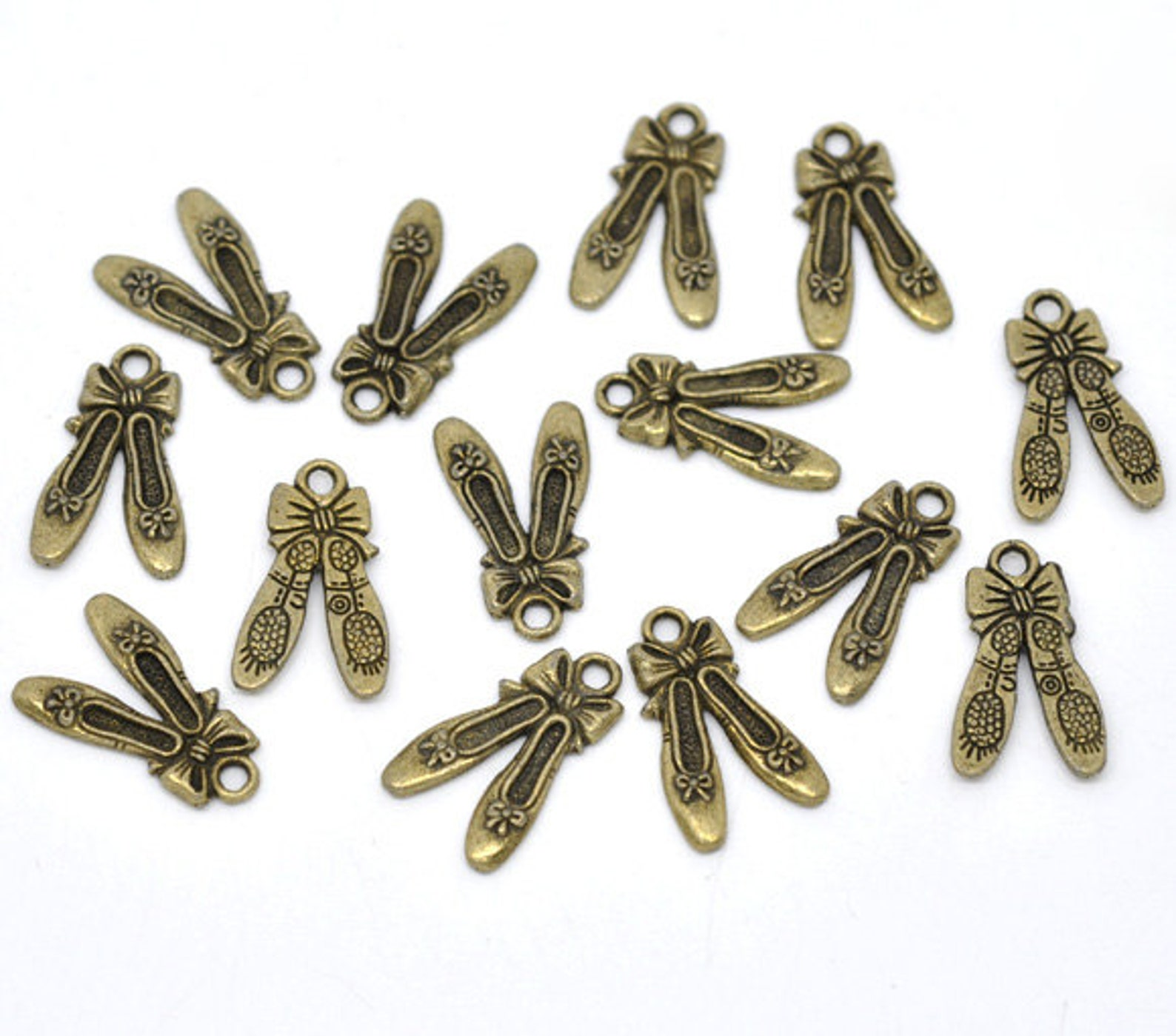 5 pieces antique bronze ballet shoes charms