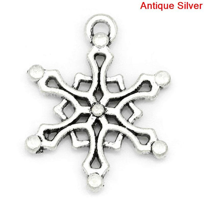 68x 58 19.5mm x 16mm 50 Pieces Antique Silver Christmas Snowflake Charms