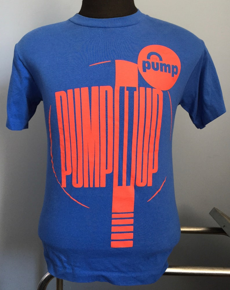 80s 90s Vintage Reebok The Pump Pump It Up basketball shoes athletic sports T Shirt SMALL