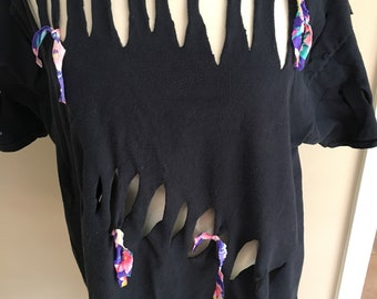 Womens ragged trendy t-shirt