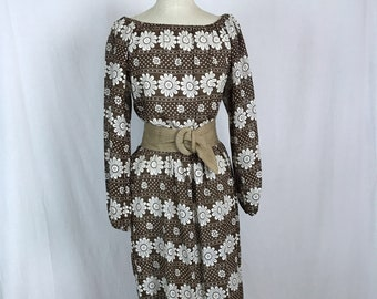 1970s Maxi Dress in Brown with White Flowers Daisies and Dots Semi sheer Peasant Style Long Dress Bust 38 Hippie Boho
