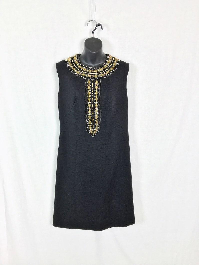 3bab5164bb23 Cucire mestiere progetto qualità lana abito perline strass