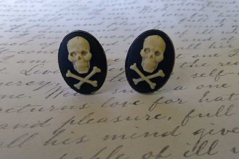 Skull with Cross Bones Cameo Cuff Links Wedding Birthday Party Gifts for Him Her Christmas Stocking Stuffer Steampunk  Gothic Punk Macabre