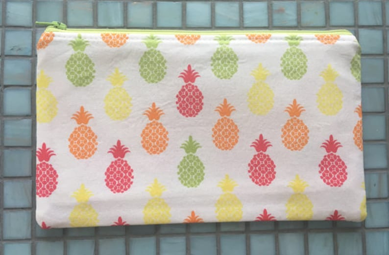Pineapple Zipper Pouch image 0