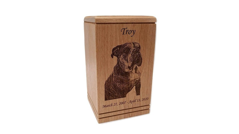 Custom Engraved and Personalized Cremation Pet Urn for Dogs and Cats Pet Memorial Pet Urn for Ashes