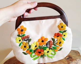 Handmade Embroidered Wood Handle Clutch Purse 1970s