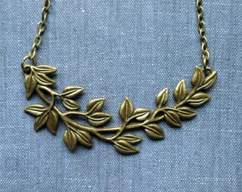 Leafy Vine Antique Bronze Boho Short Ivy Leaf Branch Necklace Bohemian Nature Lovers Fashion Jewelry Layering PaisleyBeading FREE Shipping