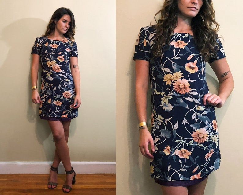 Vintage 1990/'s Blue Floral Short Sleeve Cocktail Mini Tight Lined Dress Size 4