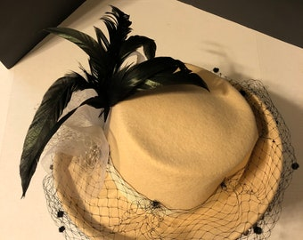Vintage Bollman Hat Co. 100% Wool Doeskin Felt Off White Ladies hat with  Black 51dbab9e2f95