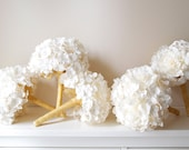 Leslie's New Years Eve wedding bouquets!