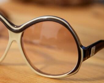 32596bdee1ff Vintage YSL Yves Saint Laurent Oversize Oval Rose Tinted Sunglasses Brown    Cream