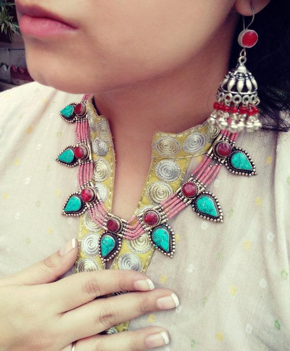 Statement  turquoise necklace- Turquoise beaded ne