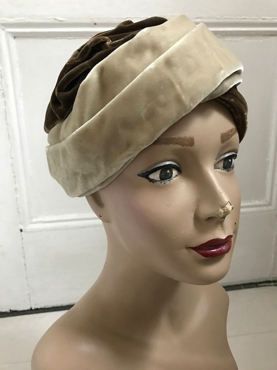 1960s Two-Tone Velvet Turban - image 3
