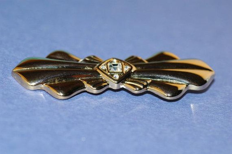 Vintage Art Deco Brooch Clear Rhinestone Center and Wings