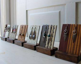 ONE Earring Display Card with Wood Holder - Vintage Prints - Earthy Tones - Colorful Jewelry Display - Reversible  - Repurposed