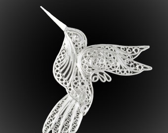 Hummingbird brooch in silver embroidery