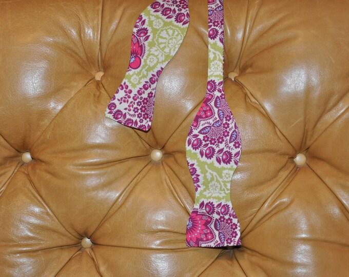 Bow Tie Adjustable in Paisley Amethyst