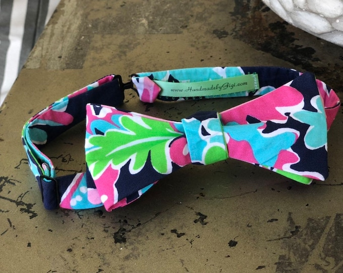 Adult Navy and Pink Lilly Pulitzer Bow Tie