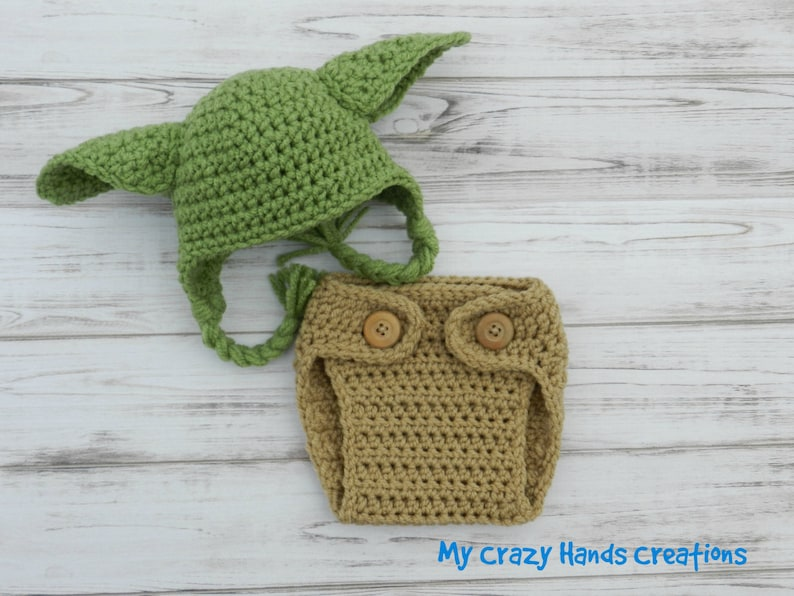 9107ea8add89b Crochet Yoda hat and diaper cover Crochet Yoda baby outfit