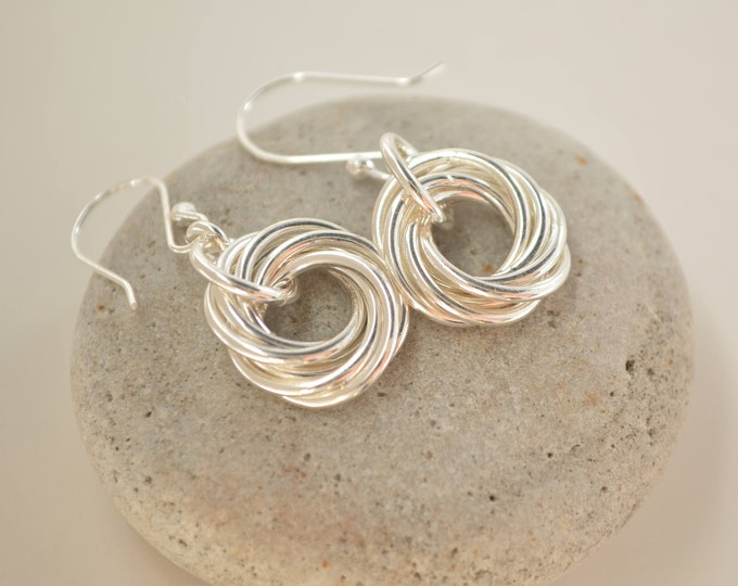 60th Birthday gift for mom, 6 Rings, 6th Anniversary gift for women, 6 Interlocking rings, Circle earrings, Small earrings, Petite earrings
