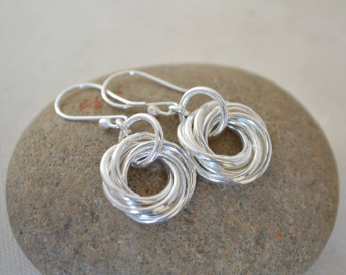 70th Birthday gift for mom, 70th Birthday for women , 7th Anniversary gift for women, 7 Interlocking rings, Circle earrings, Small earrings