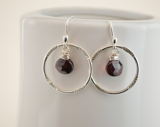 Garnet earrings, January birthstone earrings,Birthstone earrings, Bridesmaid earrings, Red gemstone, Garnet quartz