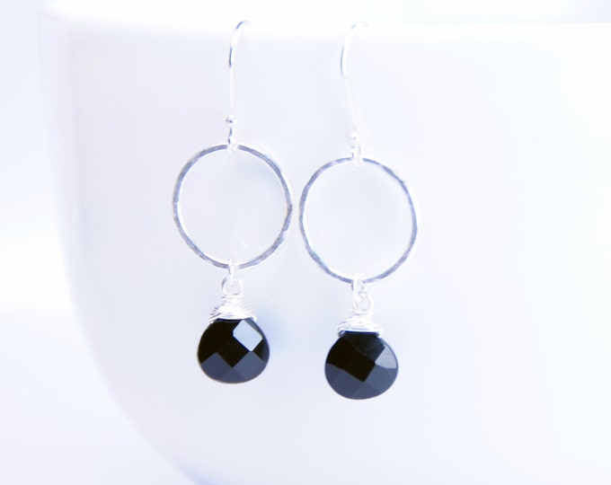 Black Onyx Earrings, Silver+Onyx Earrings, Handmade Black Earrings, Black Stone Earrings, Hammered Silver Earrings, Fiancée, Grad, Mom Gift