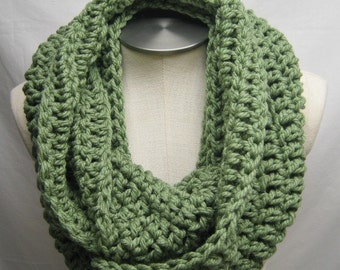 Chunky Crochet Infinity Scarf - FOREST