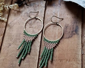 minaret // beadwoven earrings // olivine and gold