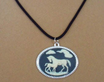 """16"""" Horse Lover's Pendant Necklace - N597"""
