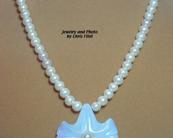 """Delicate beauty of Pearls and Opalite flower pendant necklace - 18"""" - N117"""