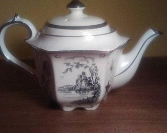 "James Sadler Teapot in ""1841"" pattern - Platinum trim - Black Castle and Floral Detail - VG Condition"