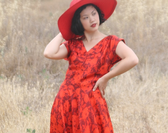 Beautiful Red floral 1950s summer party dress, MED