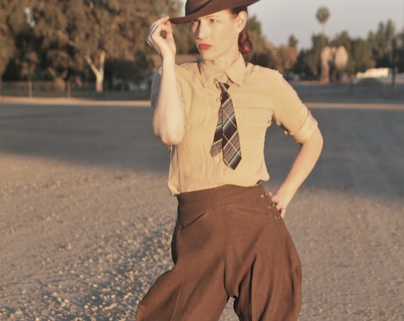 "1930s army green womens bespoke riding bredches, jodhpurs Bedford, London Seville Row, size 26"" waist"