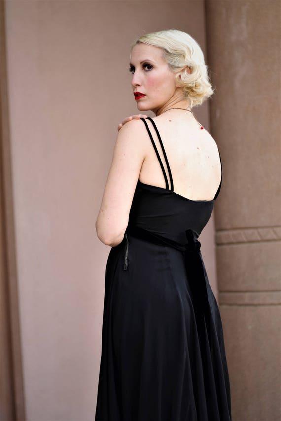 1930s black silk chiffon & velvet empire waist go… - image 8
