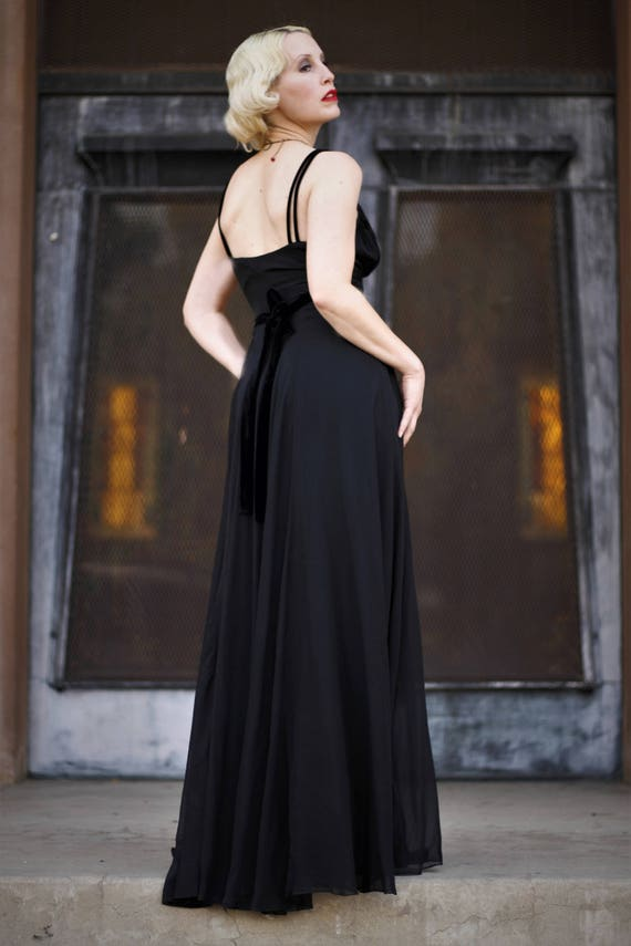 1930s black silk chiffon & velvet empire waist go… - image 6