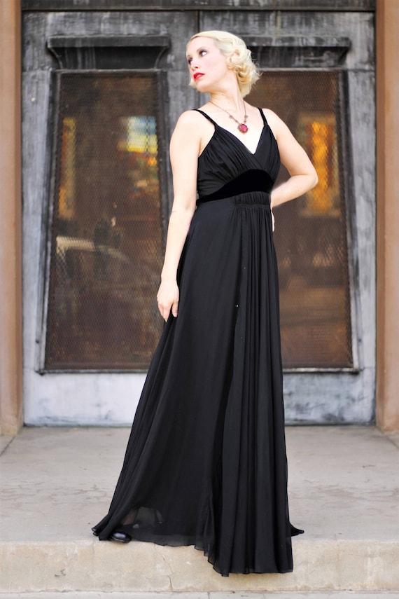 1930s black silk chiffon & velvet empire waist go… - image 1