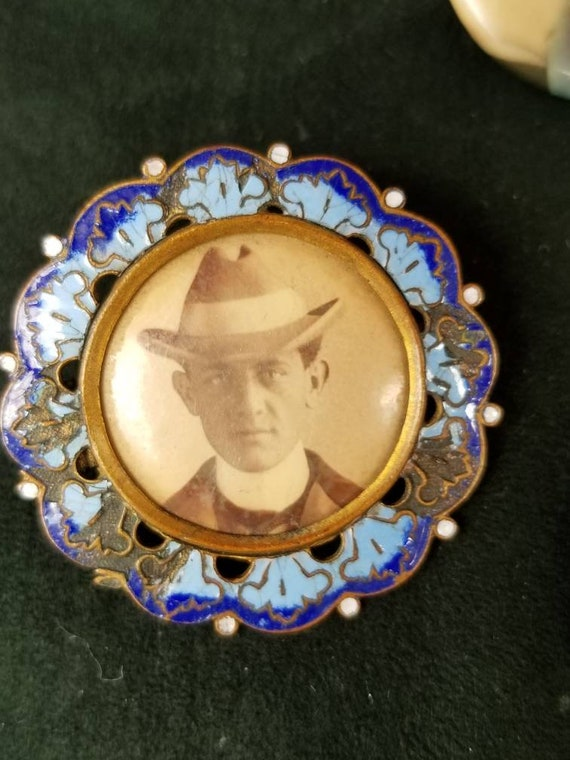 Antique Early 1900's enameled sweetheart mourning pin brooch with mans photograph.