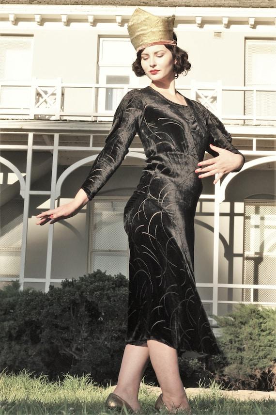 1930s black velvet burnout gown bias cut with gus… - image 6