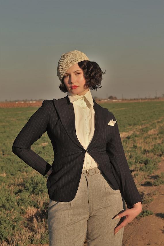 1930s women's pinstriped peak lapel suit jacket Si