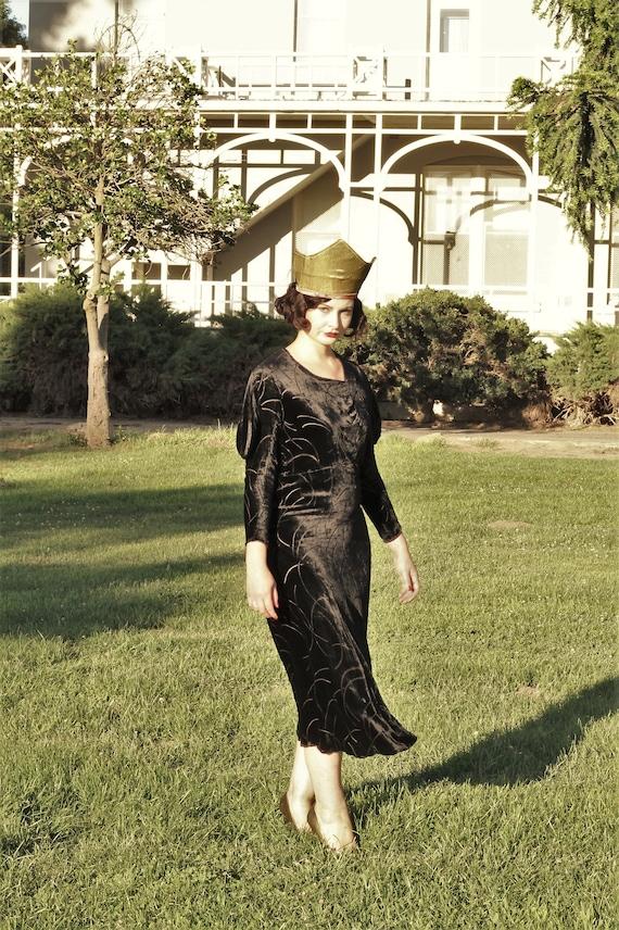 1930s black velvet burnout gown bias cut with gus… - image 3