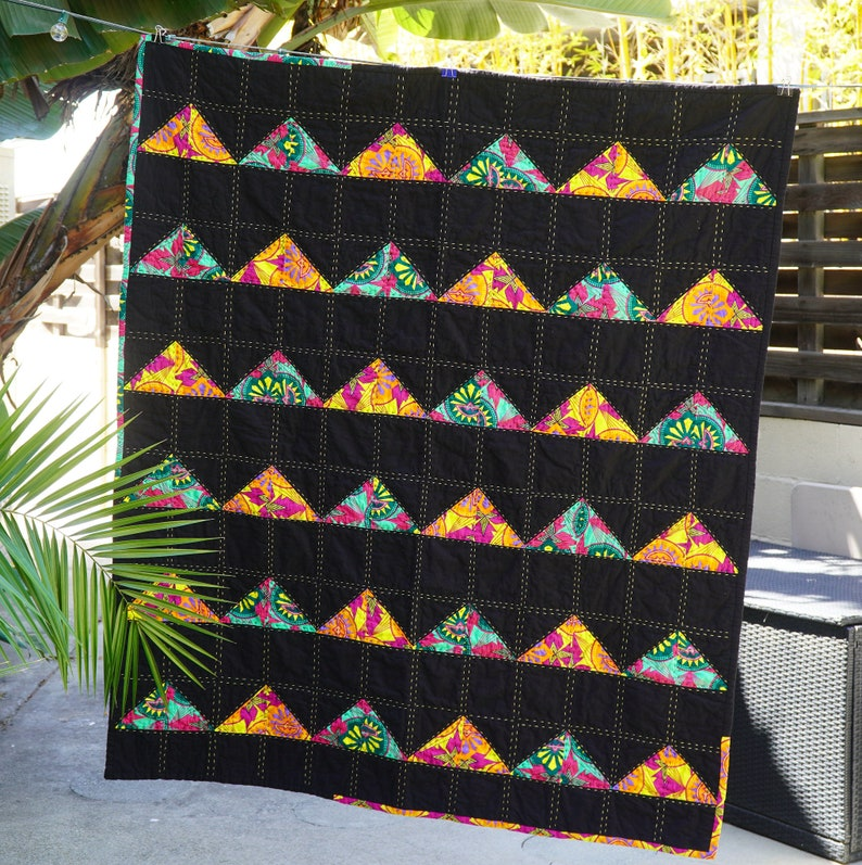 The Rising Pyramid Quilt image 0