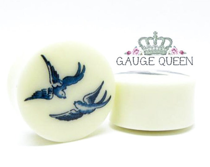 "Plugs / Gauges Blue Willow Birds. 2g / 6.5mm, 0g / 8mm, 00g / 10mm, 1/2"" / 12.5mm, 9/16""/ 14mm, 5/8""/ 16mm, 3/4""/ 19mm, 7/8""/ 22mm, 1"" /25mm"