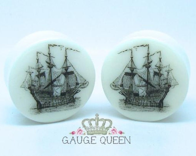 "Vintage Ship Plugs / Gauges. 2g / 6.5mm, 0g / 8mm, 00g / 10mm, 1/2"" / 12.5mm, 9/16"" / 14mm, 5/8"" / 16mm, 3/4"" / 19mm, 7/8"" / 22mm, 1"" / 25mm"