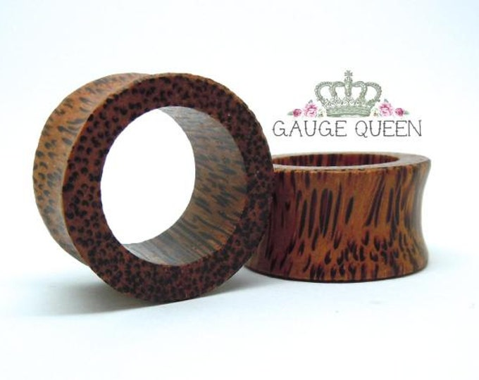 "Coconut Wood Tunnels. 9/16"" / 14mm, 11/16"" / 18mm, 3/4"" / 19mm, 13/16"" / 21mm"