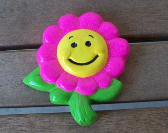 Handpainted Smiling Flower Magnet