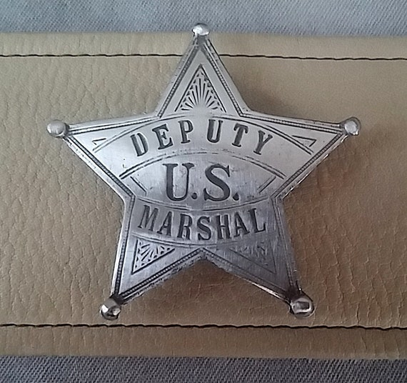 Handcuff High Quality Pewter Pin Badge with Secure Locking Back