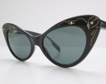 4849f54c625 Amazing Vintage 1950s 50s Black Lucite Butterfly Catseyes Sunglasses with  Rhinestones   Gold Threads -Rockabilly-Bad Girl-JD-Pinup-Bombshell