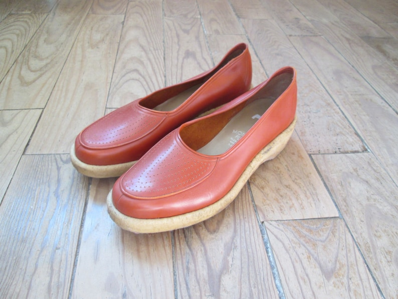 173d08b884b2 Fantastic Vintage 1940s 40s Brown Leather Wedges Flats Loafers